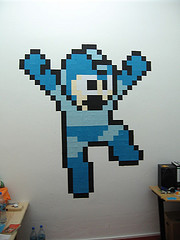 2439278615 92d364d542 m Post its Note Art: 8 bit Edition