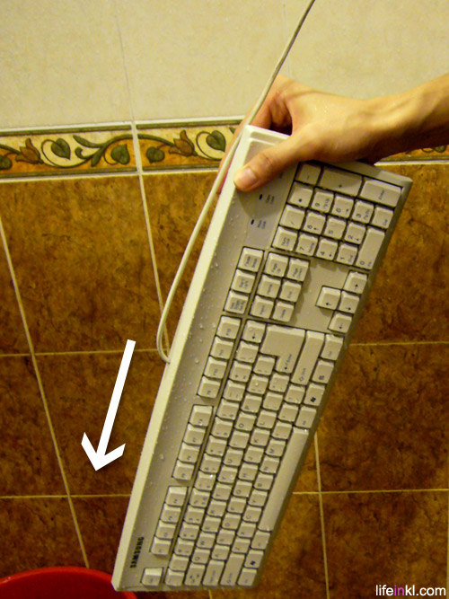 p1080694 10 ways to clean your dirty keyboard