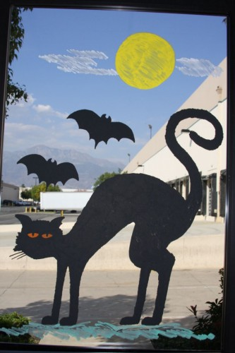 halloween window decor 333x500 best of office weekend roundup 15