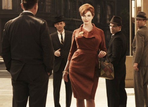 joan 500x360 Mad Men Office Fashion