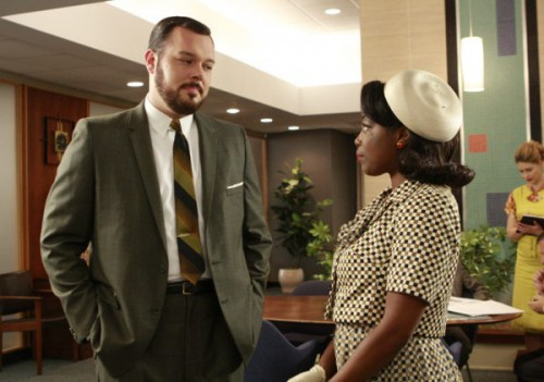 sheila ep210 500x351 Mad Men Office Fashion