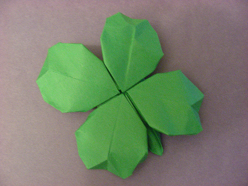 origami shamrock best of office weekend roundup 37