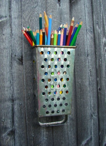 cheese-grater-pencil-holder