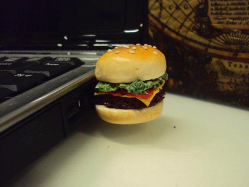 hamburger usb 500x375 breaded paper clips