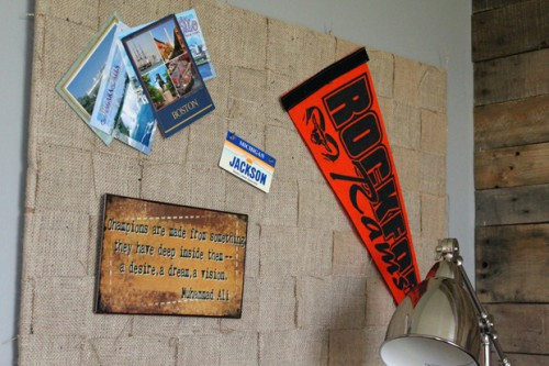 burlap memo board 500x333 best of office weekend roundup 73