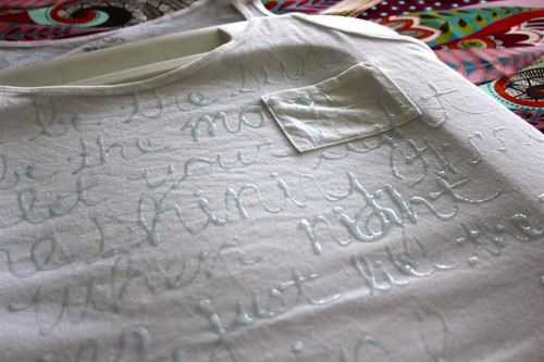 glue shirt tutorial 500x333 best of office weekend roundup 70