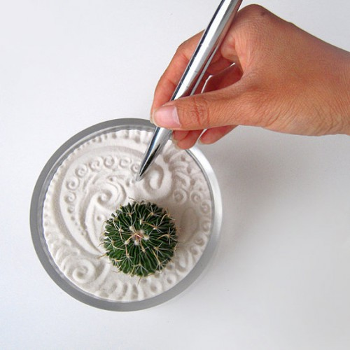 ... Mini Zen Garden For Your Desk! They Have A Bunch Different Ones In . ...