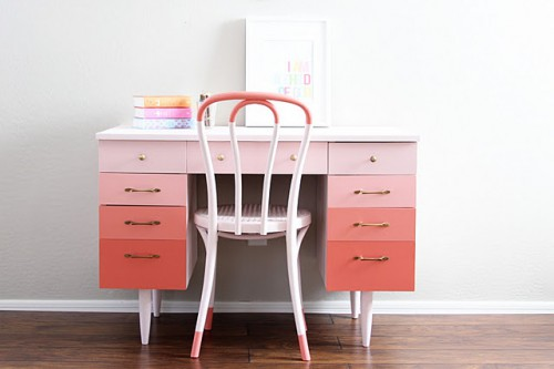 pink ombre desk 500x333 best of office weekend roundup 71