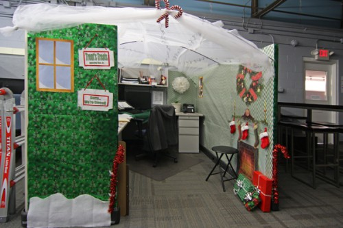 christmas cubicle contess 5 500x333 Christmas Cubicle Contests