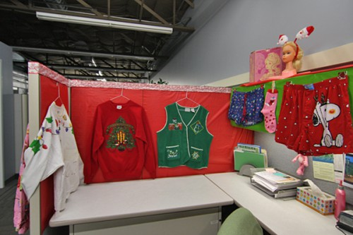 christmas cubicle contests 2 500x333 Christmas Cubicle Contests