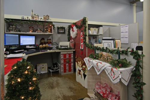 christmas cubicle contests 3 500x333 Christmas Cubicle Contests