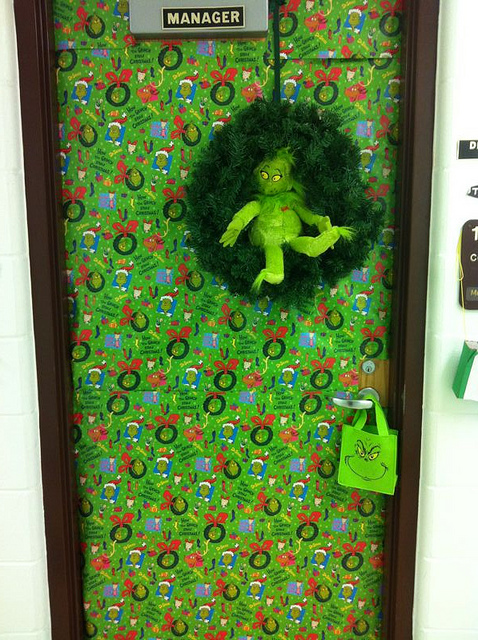grinch door best of office weekend roundup 76