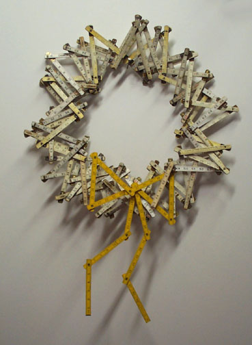 ruler wreath best of office weekend roundup 77