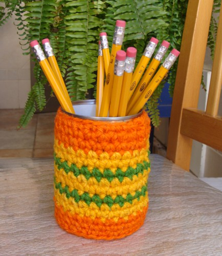 crocheted pencil cup 434x500 best of office weekend roundup 84