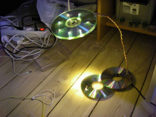 The USB powered LED CD lamp 500x375 best of office weekend roundup 87