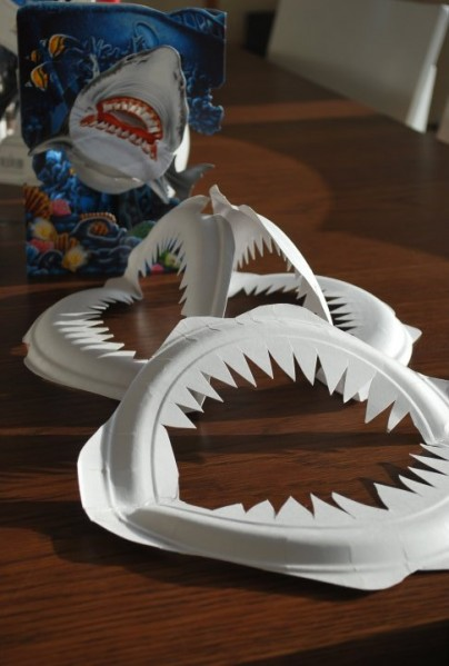 paper plate shark teeth 404x599 Best of Office Weekend Roundup 97