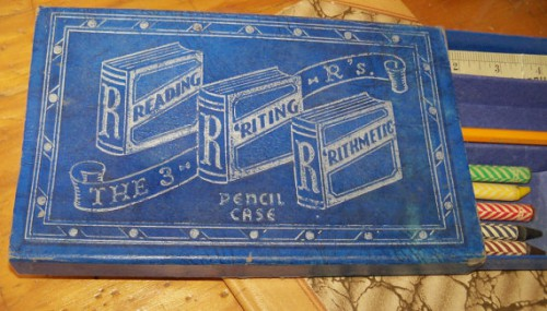 vintage pencil case 500x285 Best of Office Weekend Roundup 96