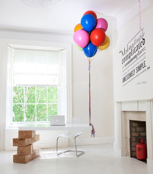 balloon-desk