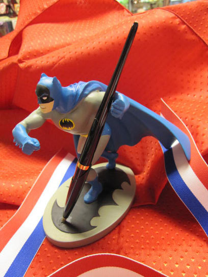 batman pencil stand Best of Office Weekend Roundup 105