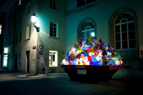 illuminated garbage bags 500x333 Best of Office Weekend Roundup 109