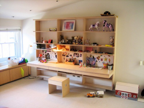 hangingdesklarge3 500x375 Casa Kids Desks