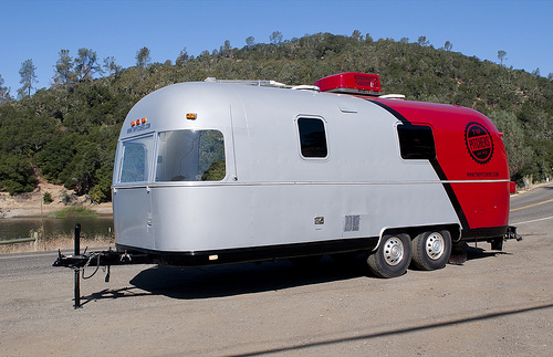 tw-pitchers-airstream-office-2