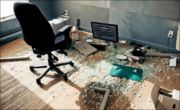 glass desk broken Best of Office Weekend Roundup 134