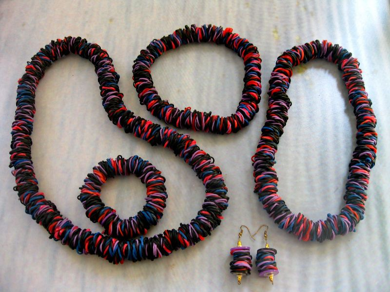 darling-rubber-band-necklace-set