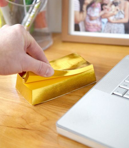 gold bar notepad Best of Office Weekend Roundup 137