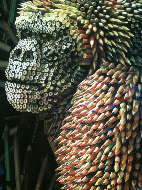 gorilla-made-of-colored-pencils