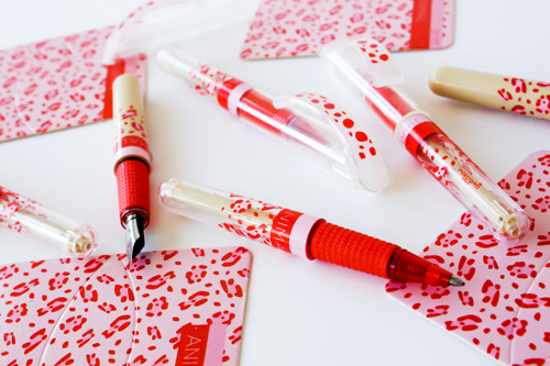 animal print pens Best of Office Weekend Roundup 157