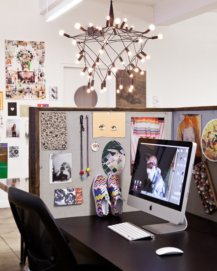 sneaks Fab Interior Designer Lora Coburn on How to Make a Blah Cubicle Feel More Like Home