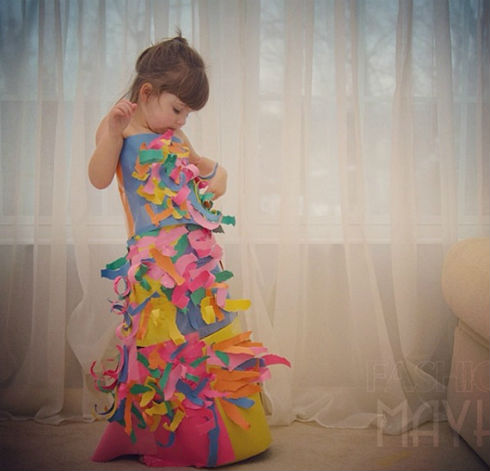 o 1643876 570 1 Mommy Daughter Duo Make Dresses Out of Construction Paper + Tape