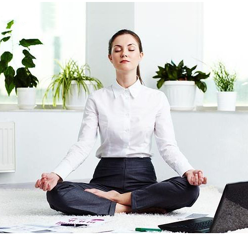 5 Yoga Moves to De-stress at Work