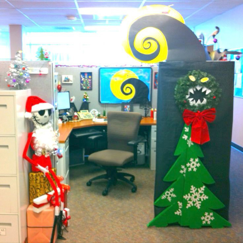 lovely-halloween-theme-ideas-for-work-my-nightmare-before-christmas-decorate-cubical-contest-jack-skellington-halloween-decorating-ideashalloween-office
